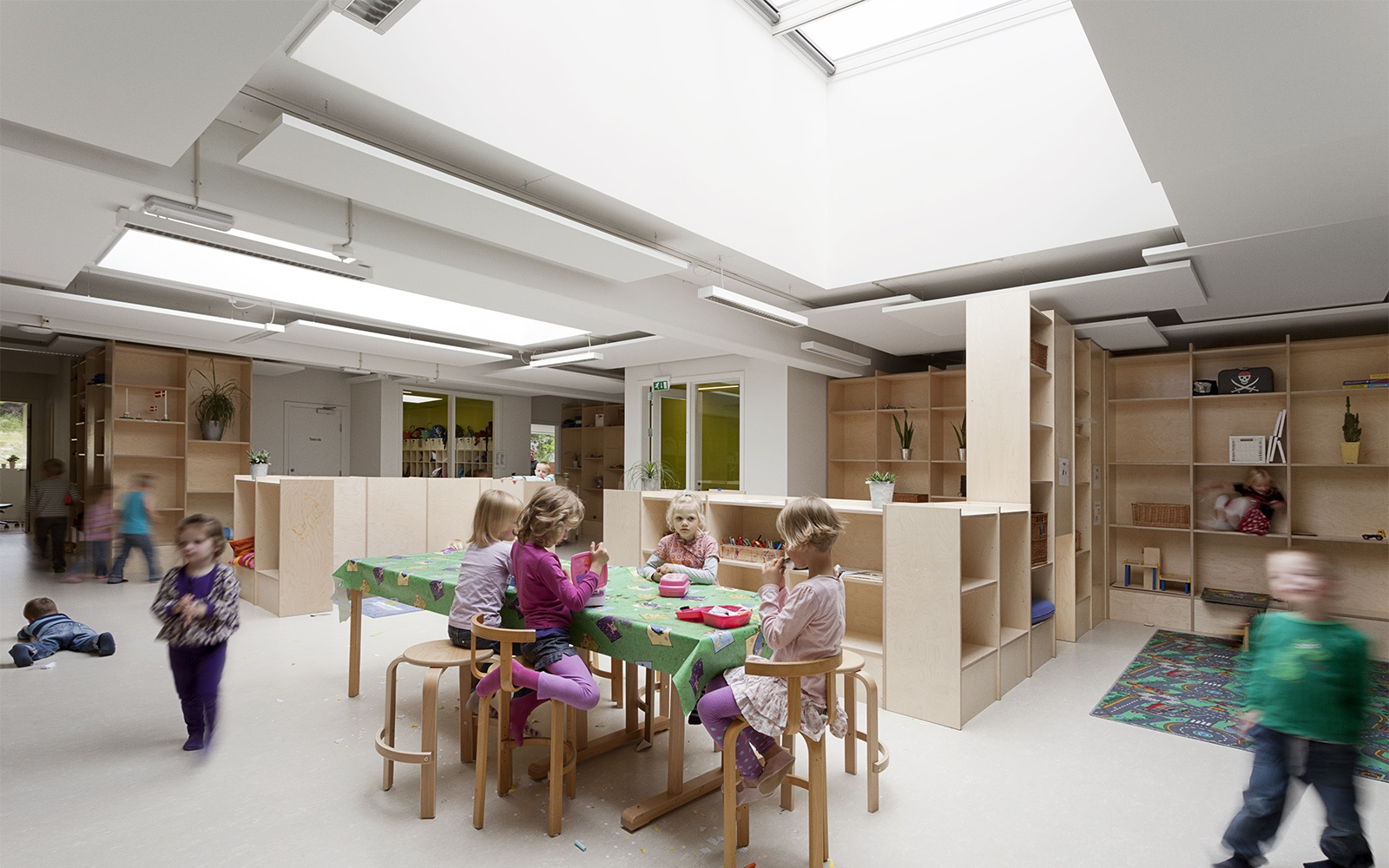 Operable windows for natural ventilation in school design