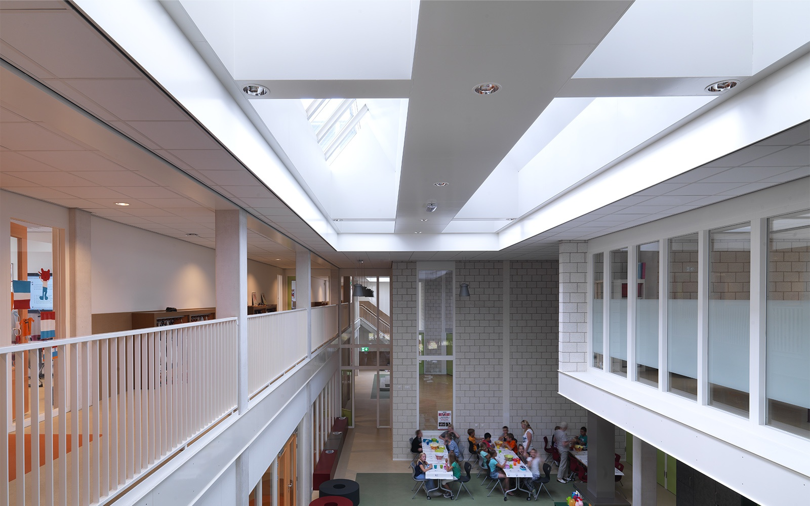 Ventilation architecture in school buildings